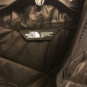 Black north face vest size small like new